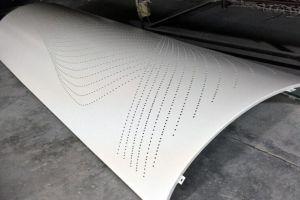 镂空花纹冲孔铝单板包柱