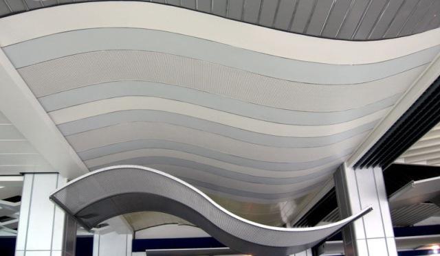S造型铝单板雨棚吊顶