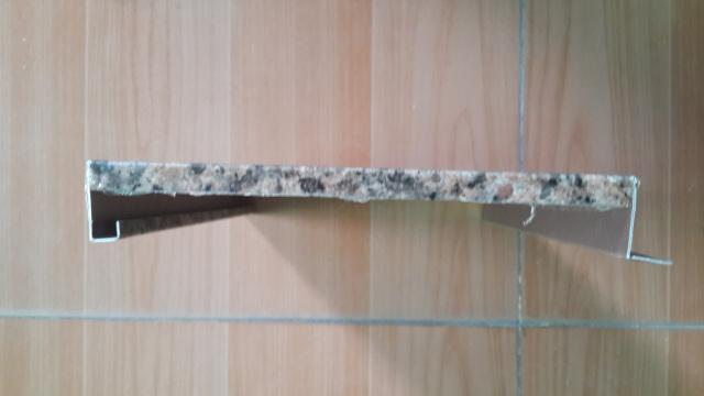 滚涂石纹勾搭吊顶铝瓦楞板侧面视图