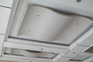 铝板圆弧吊顶