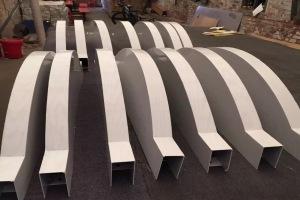 弧形铝方通成品