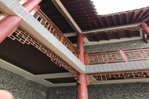 中式木纹铝花格护栏