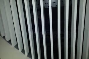 铝方通波浪造型安装方式
