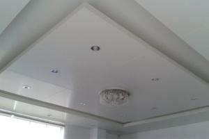 大厅中央方形灯槽铝单板