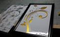 激光雕刻铝板字画背贴金箔纸