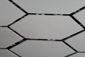 六角形墙面铝单板留缝安装