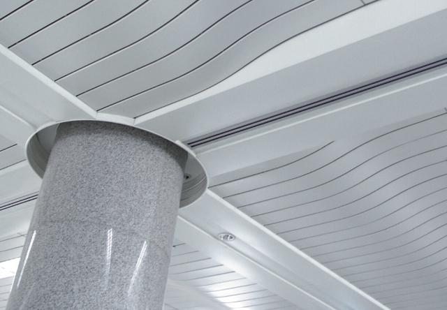 弧形铝条扣吊顶实景