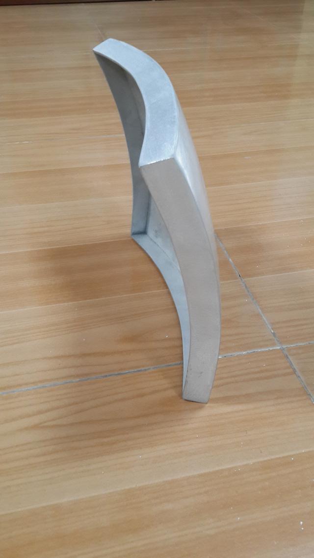 外双曲铝单板侧面