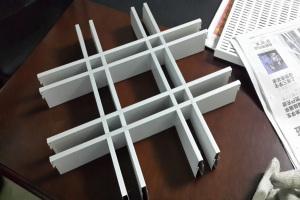 大小格子混装铝格栅