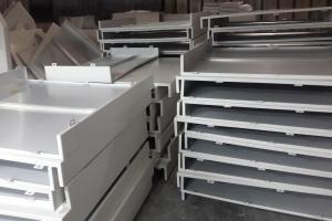 白色喷粉幕墙铝单板