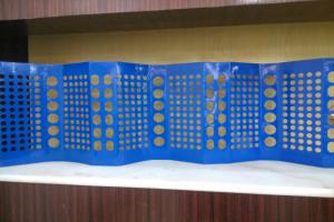 蓝色圆孔铝单板