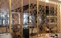 中式餐厅木纹铝屏风隔断