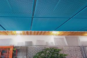 外包围式拉网铝单板吊顶