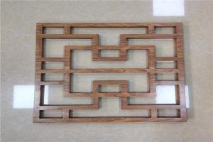 中式木纹窗户铝花格