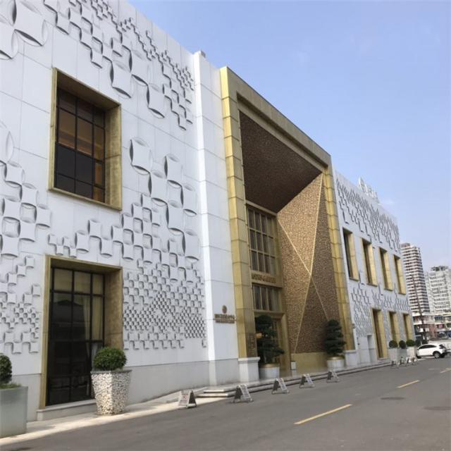外墙凹凸造型铝单板