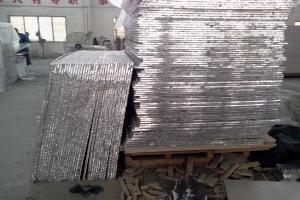 复合好的铝蜂窝板