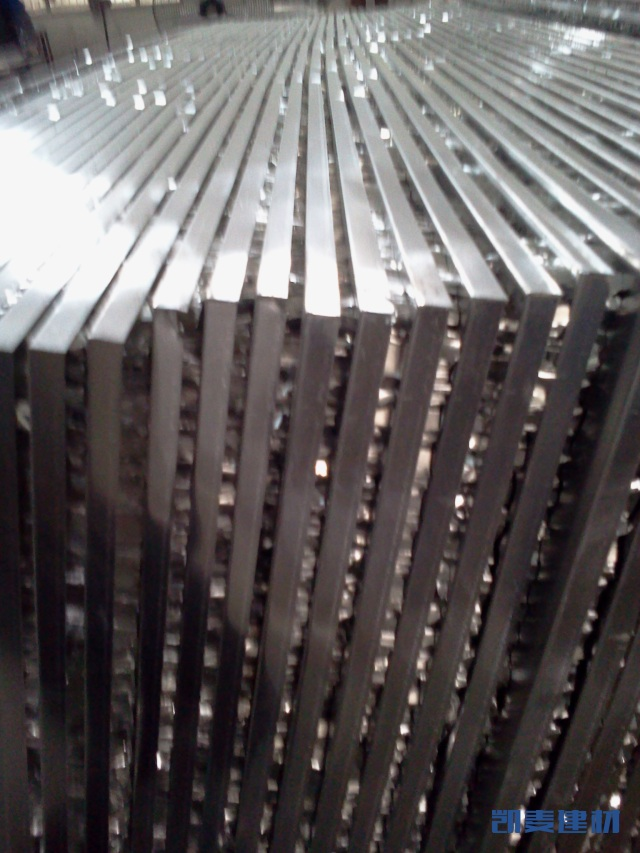 半成品热压完毕的铝蜂窝板