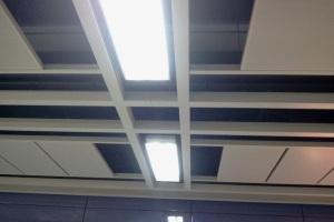 地铁搭扣式吊顶铝单板主副龙纵横交错