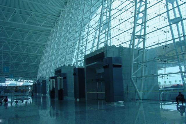 机场高边防风条扣