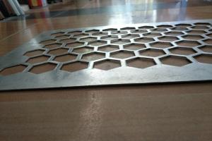 六角形冲孔铝板