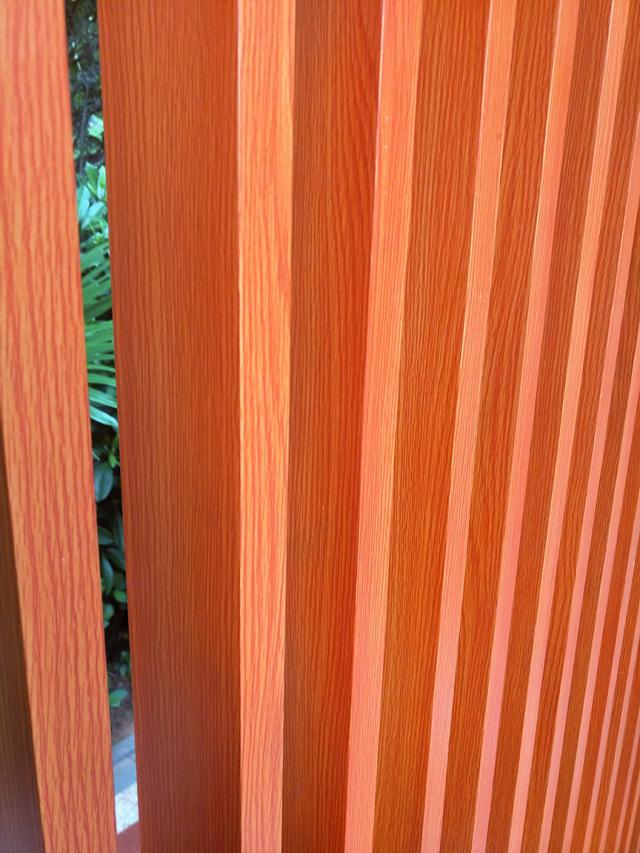 木纹色户外铝格栅葡萄架