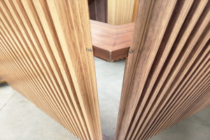 木纹色长城板铝型材栏珊