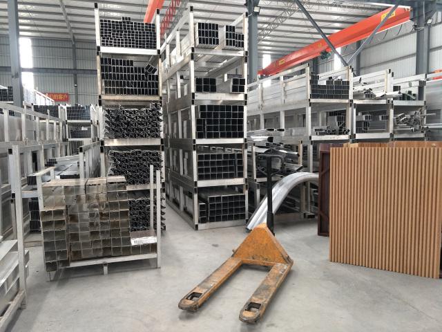 各种类型矩管、圆管、扶手、阴阳角等装饰和工业铝型材