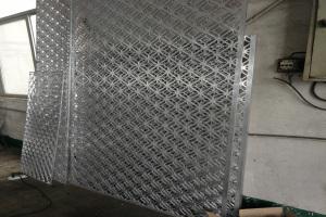 10mm厚铝板雕刻窗花