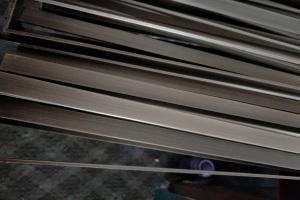 电镀灰古铜色拉丝铝板