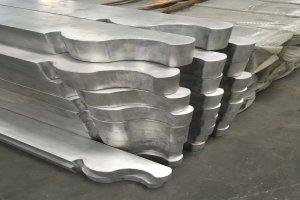 造型铝合金柱头