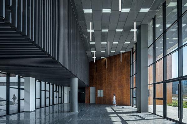 室内立式墙面铝格栅