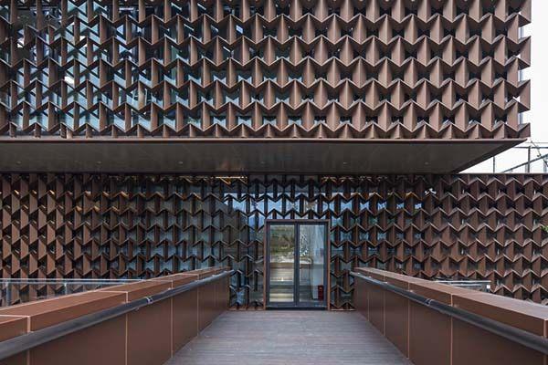 氟碳铝单板装饰售楼中心过道