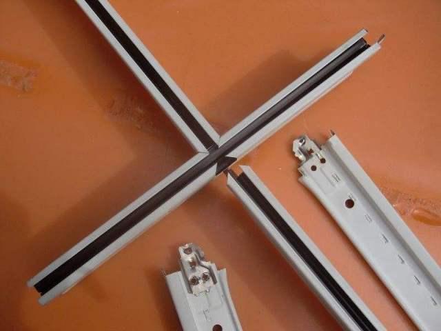 天桥/人行道_幕墙铝单板_吊顶铝单板_铝方通_陶瓷/烤瓷铝板